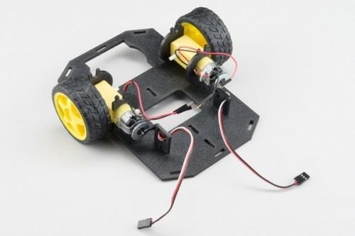 Připevnění motoru - Krok pátý - RedBot
