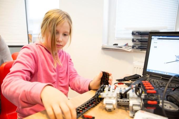 Kódování hravě s lego roboty