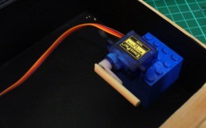Arduino-servo-mounted