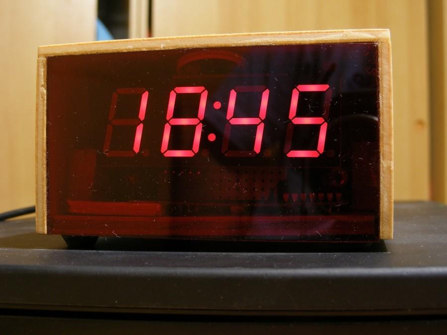 Arduino hodiny s ESP8266 - Pohled zepředu