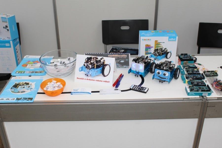 Arduino.cz a HW Kitchen na DronFest 2016