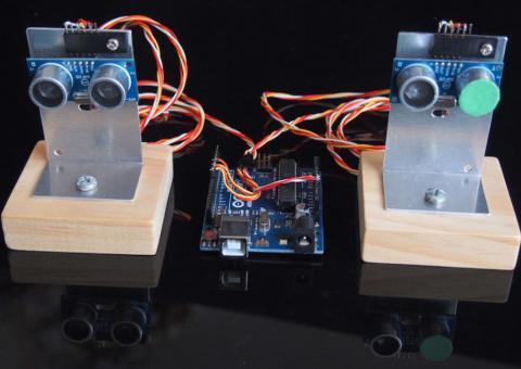 Arduino echolokátor ze dvou ultrazvukových modulů