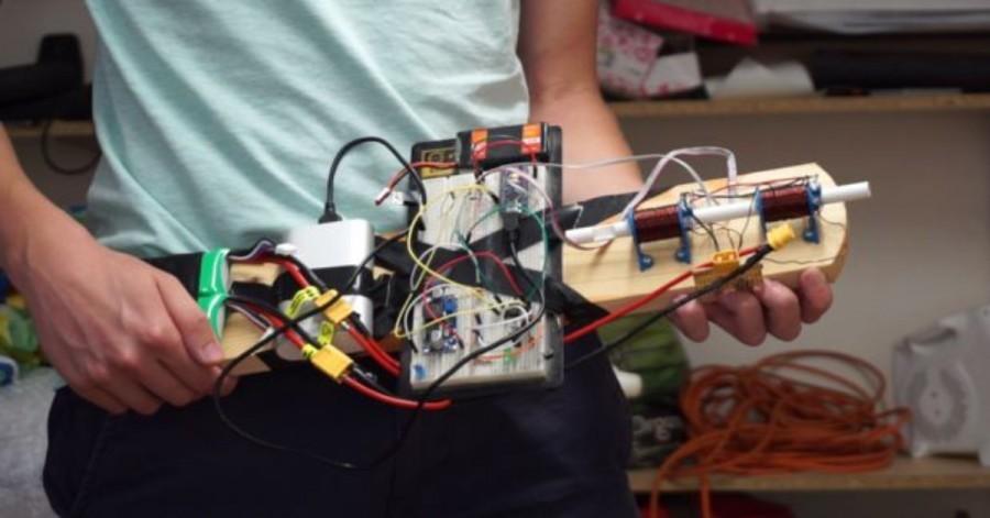 Elektromagnetická puška s Arduino Nano