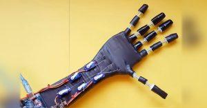 Arduino humanoidní ruka