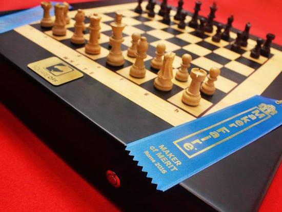 Arduino interaktivní Šachovnice Square Off