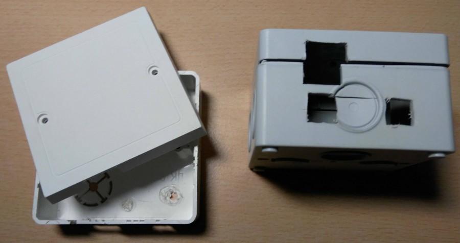 Pokus s elektrikářskou krabičkou pro uložení Arduina