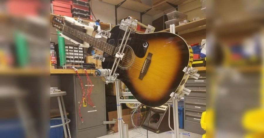 Arduino GuitarBot zahraje oblíbenou píseň