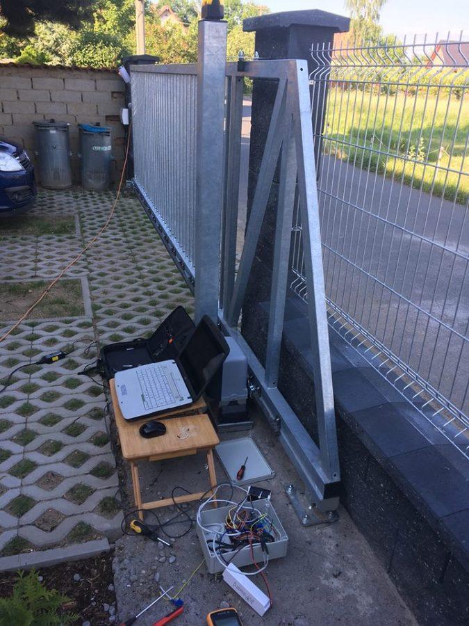 Ovládání posuvné brány a branky s Arduinem