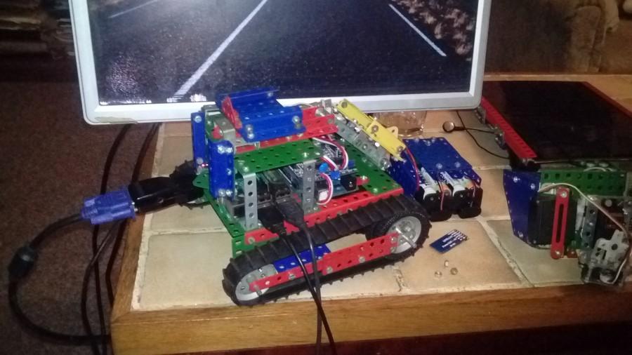 Arduino asistenční robot Kisaragi