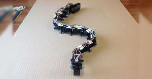 Arduino robohad poháněný 12 servomotory