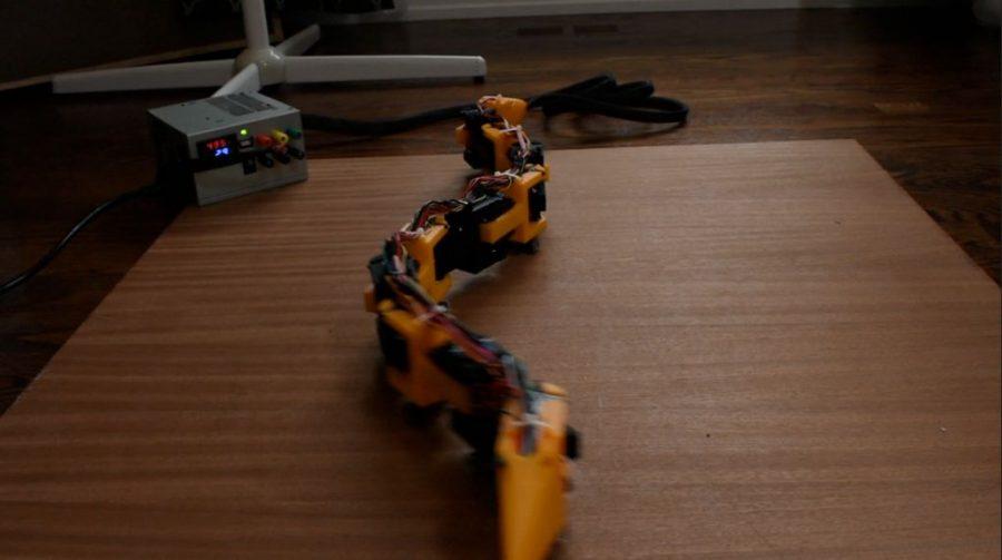 Robot inspirovaný pohyby hada