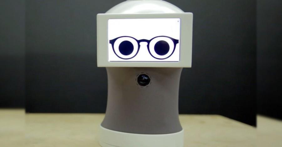 Arduino robot komunikuje pomocí GIFů