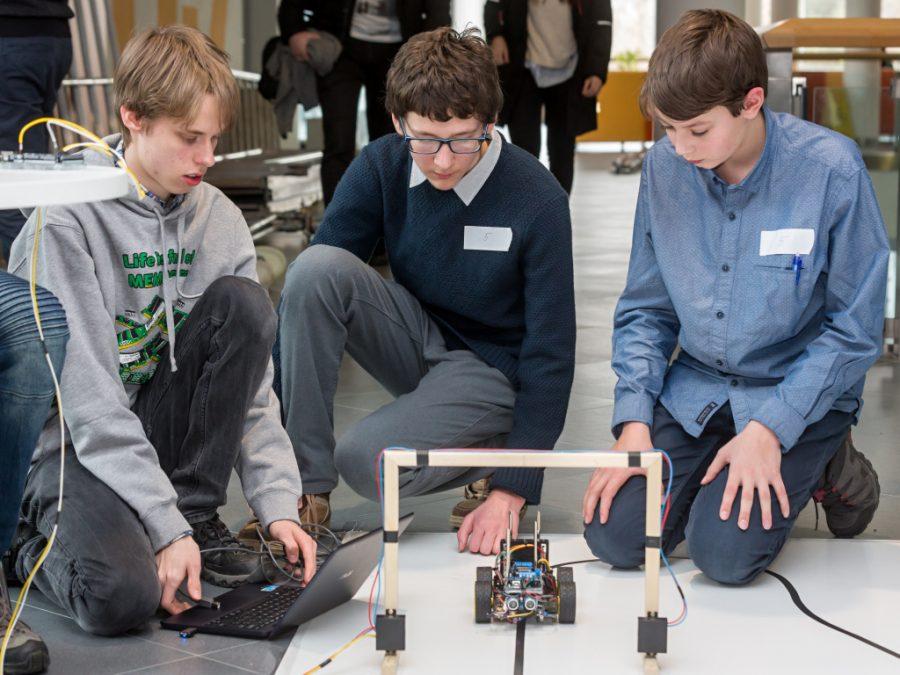Arduino robot na startu - Student4Automotive