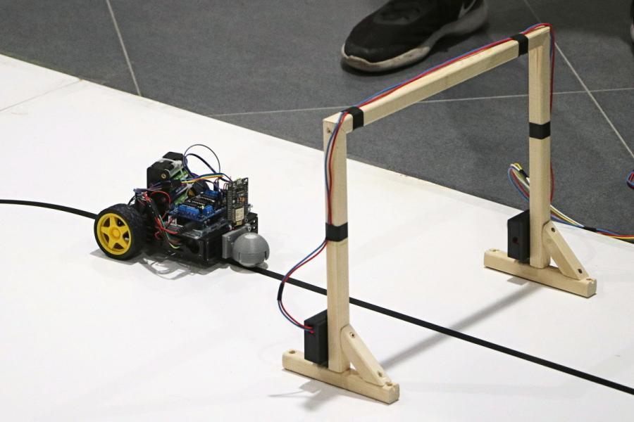 Robot se vrací na start