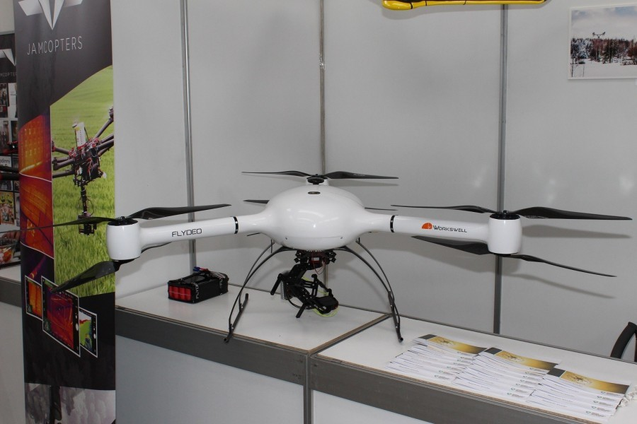 Dron Flydeo