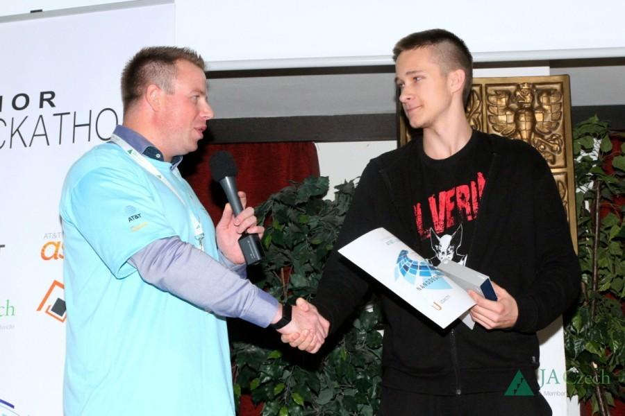 Hackathon Junior 2016 - Předání individuální ceny