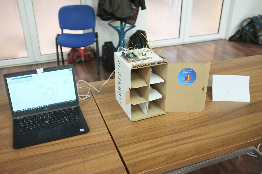 Inteligentní budova řízená Arduinem (noční projekt)