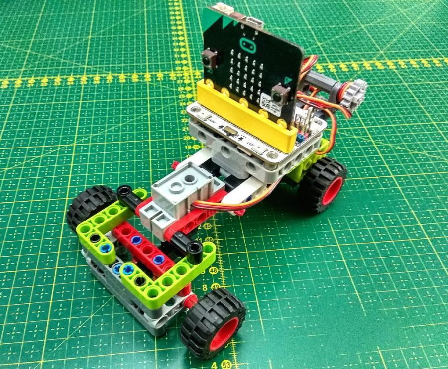 Jednoduché vozítko z LEGO a micro:bit