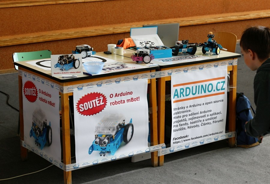 Stánek Arduino.cz a HWKitchen.cz na JedoBot 2017
