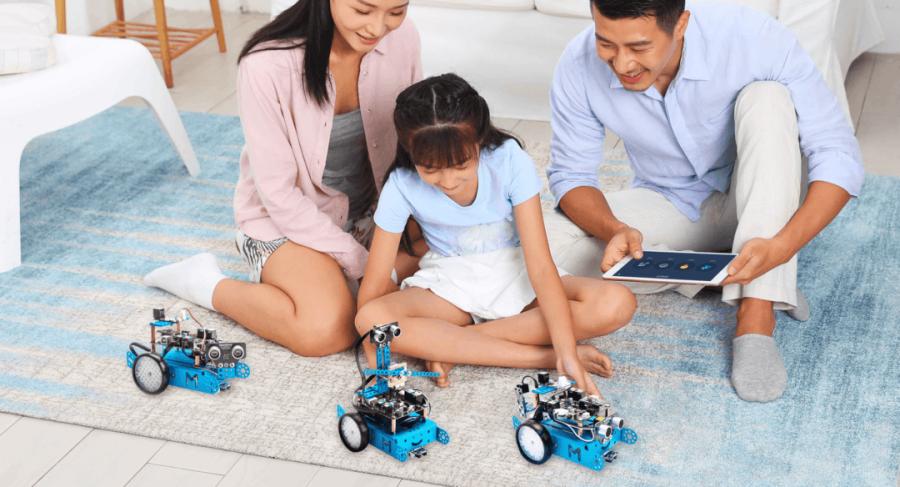 Kreativní hračka robot mBot