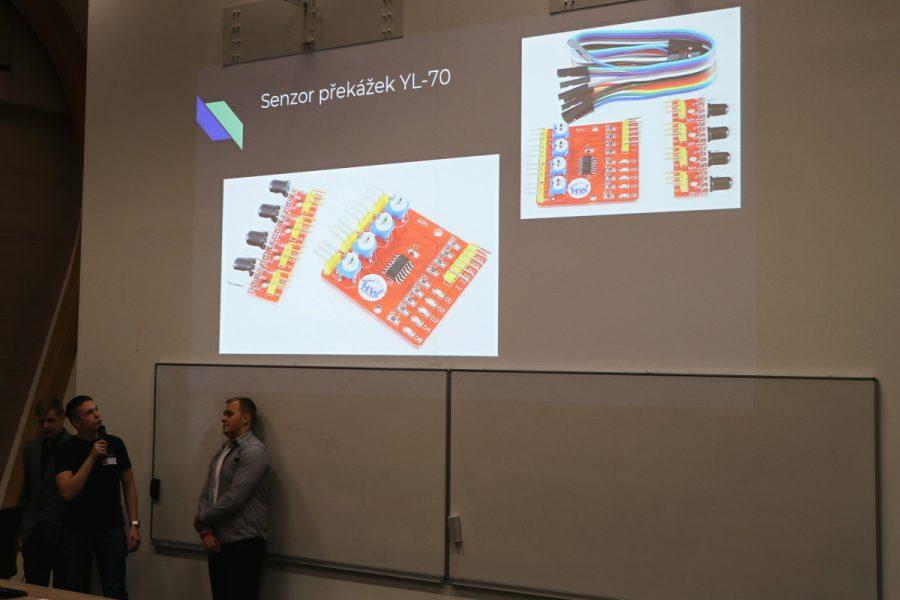 Elektronický modul pro snímač čáry nebo překážek