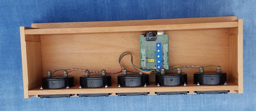 Arduino retro hodiny - Pohled dovnitř