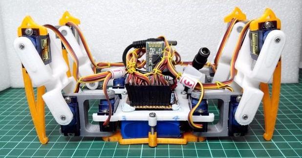 Robo RC pavouk s Arduino Pro Mini
