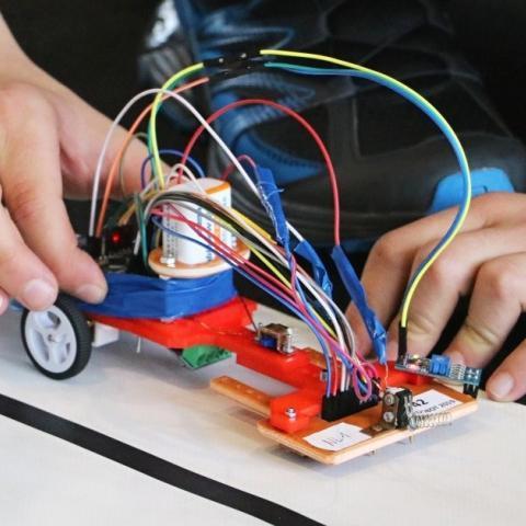 Robotická soutěž JedoBot 2019