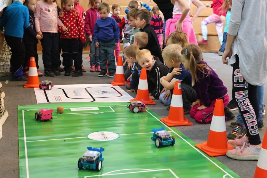 Robotí fotbal s mBoty