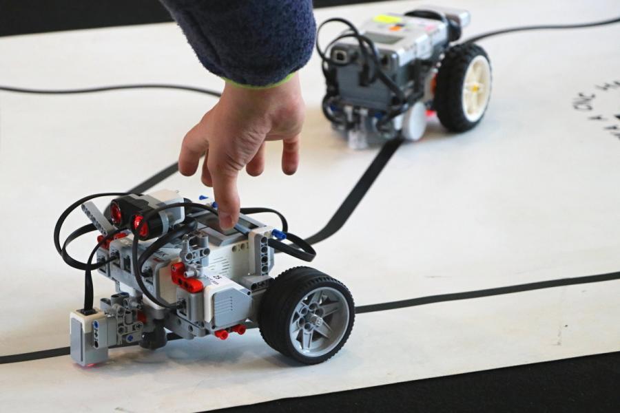 LEGO robot na čáře