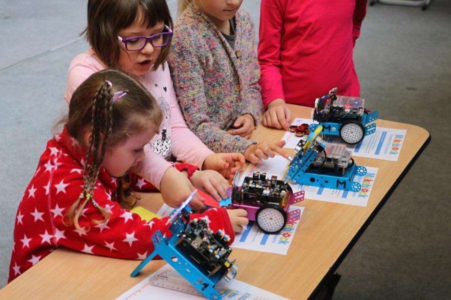 Projekty s robotem mBot