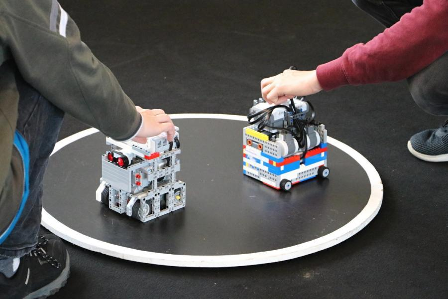 Sumo roboti jdou do souboje