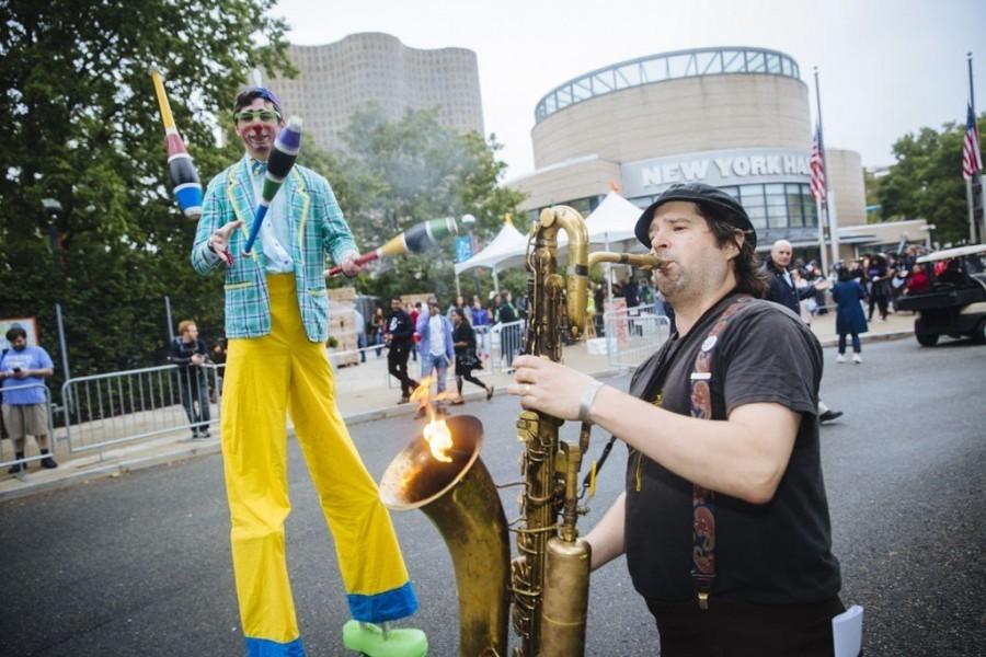 Saxofon chrlící plameny