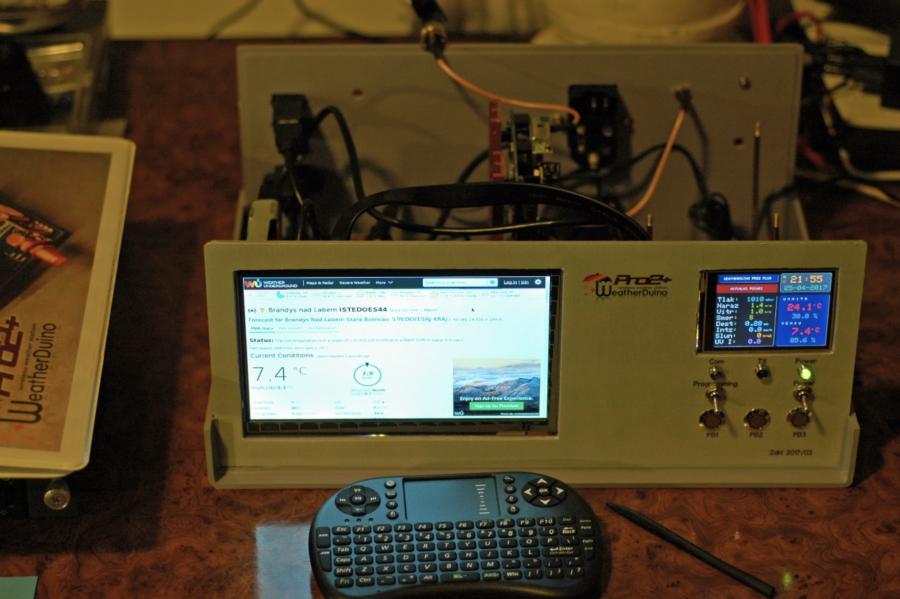 Arduino meteostanice WeatherDuino - Přístrojová deska při stavbě