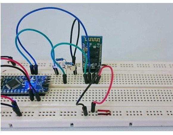 Zapojení Arduino NANO a HC-05 na kontaktním poli